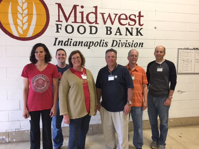 FCCI teammates volunteering at the Midwest Food Bank